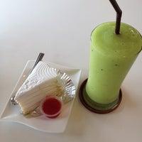 Photo taken at มาตา กาแฟสด by Nu'Aof App C. on 6/23/2012
