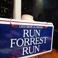 Photo taken at Bubba Gump Shrimp Co. by João Z. on 11/1/2011