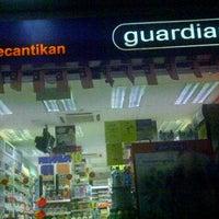 Снимок сделан в Guardian@TUTA пользователем afeeQah A. 9/26/2011