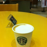 Photo taken at Starbucks by Hamad A. on 8/24/2011