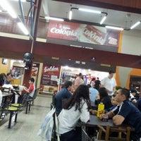 Foto tirada no(a) Restaurante Golden Grill por Oracilia d. em 8/3/2012