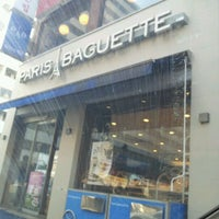 Photo taken at PARIS BAGUETTE by Doohee W. on 1/6/2012