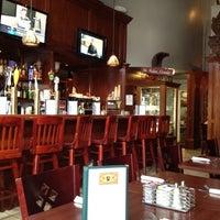 Foto tomada en Sutter Pub & Restaurant por Marcelo A. el 8/21/2012