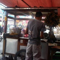 Photo taken at Sate Padang Pariaman by MuharDIKA H. on 1/21/2012