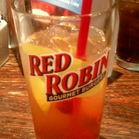 Photo taken at Red Robin Gourmet Burgers by Jovante B. on 1/1/2012