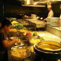 Photo taken at บุฟเฟต์นานาชาติ โรงแรมบางกอกชฎา by rhapithy 🐱👑 j. on 9/18/2011