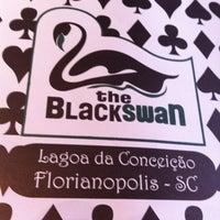 Foto tirada no(a) The Black Swan por Leonardo K. em 3/15/2011