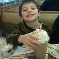 Photo taken at Frisch's Big Boy by David T. on 12/31/2011