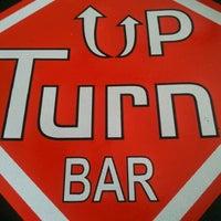 Foto tirada no(a) Up Turn Bar por Marcos P. em 2/17/2012