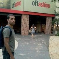 Foto tirada no(a) Offashion por Fernanda H. em 10/5/2011
