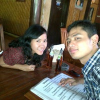 Photo taken at Yessy Cafe Senggigi Lombok by Galih F. on 1/26/2012
