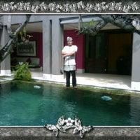 Photo taken at Di Astana Villa Bali by Wahyu M. on 1/27/2012