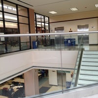 1/20/2012 tarihinde Sandra H.ziyaretçi tarafından West Campus Library (WCL)'de çekilen fotoğraf
