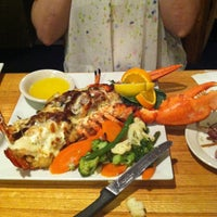 Photo taken at Popei's Clam Bar & Seafood Restaurant by Vinny C. on 7/4/2012