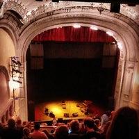 Das Foto wurde bei Moore Theatre von Jill F. am 9/10/2012 aufgenommen