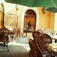 Foto tomada en SAKS por Raul P. el 1/21/2012