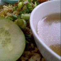 Photo taken at Top Spot Cafe, HUKM by Nani Isdayana I. on 11/8/2011