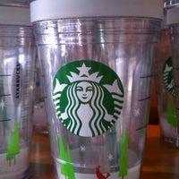 Photo taken at Starbucks by Leslie W. on 11/27/2011