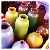8/17/2011 tarihinde Burk J.ziyaretçi tarafından Heath Ceramics'de çekilen fotoğraf