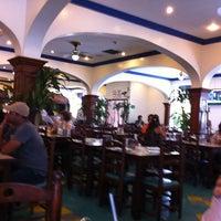 Photo taken at El Mundo Del Pollo by Ric S. on 8/18/2011