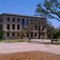 Foto tirada no(a) Cushing Memorial Library and Archives por Nicola R. em 7/27/2011