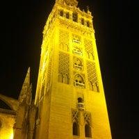 3/24/2012 tarihinde Tomas K.ziyaretçi tarafından 383. Cathedral, Alcázar and Archivo de Indias in Seville (1987)'de çekilen fotoğraf