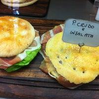 Foto scattata a Pasticceria La Golosa da Jeroen D. il 8/2/2012