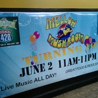 Photo taken at Mellow Mushroom by Melita S. on 6/2/2012