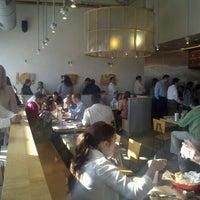 Foto tomada en Chipotle Mexican Grill por Melodie T. el 12/1/2011