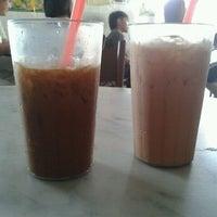 Photo taken at Nan yang coffee shop by Adam T. on 9/28/2011