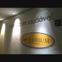 Foto tirada no(a) Equilibrium por Yellowa B. em 4/13/2012