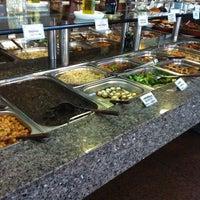 Das Foto wurde bei Lótus Restaurante Vegetariano von Thiago W. am 10/8/2011 aufgenommen