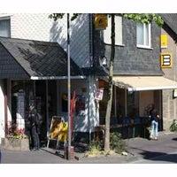 Das Foto wurde bei Müller Büro & Buch Buchhandlung - Bürobedarf - Schreibwaren von Stefan M. am 1/21/2012 aufgenommen