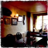 Photo prise au Cross House Inn par Mick Y. le6/5/2012