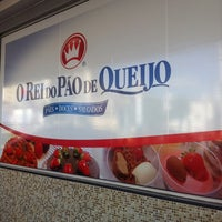 Photo taken at O Rei do Pão de Queijo by Thays M. on 6/27/2012