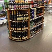 Foto tirada no(a) Supermercado Angeloni por Thiago V. em 8/26/2012