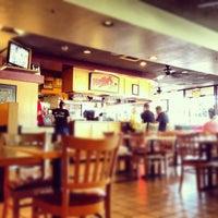 Снимок сделан в Nello's Pizza пользователем Tom S. 5/25/2012