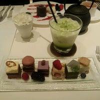4/11/2012 tarihinde Reona O.ziyaretçi tarafından pâtisserie Sadaharu AOKI paris 丸の内店'de çekilen fotoğraf
