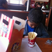 Photo taken at Kentucky Fried Chicken KFC by Marco Antonio B. on 5/6/2012