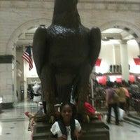 Das Foto wurde bei Macy's von Sharyn F. am 8/25/2012 aufgenommen
