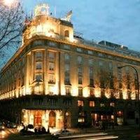 Foto tomada en Hotel Wellington por Eric R. el 7/2/2012