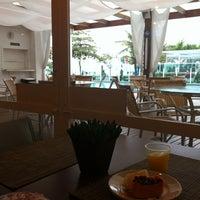 Foto tirada no(a) Hotel Marambaia por Mayara M. em 6/5/2012