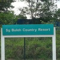 Photo taken at Petronas Sg Buloh Country Resort by Rizalku on 8/21/2012