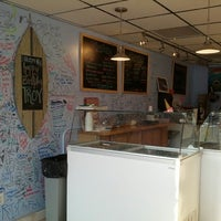 Photo taken at Batchmakers Homemade Ice Cream by Glenn H. on 8/4/2012