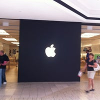 Photo taken at Apple Cherry Creek by Kevin D. on 8/28/2012