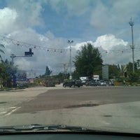 Photo taken at Traffic Light Bernombor by Amaturahman A. on 2/6/2012