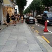 Photo taken at Garosu-gil by Jeremius I on 9/7/2012