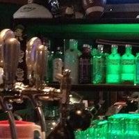 Foto tomada en Legends Sports Bar & Grill por Ivan O. el 4/1/2012
