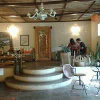 Foto diambil di Amor e Flor oleh Samuel N. pada 9/1/2012