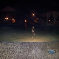 Photo taken at piscina hotel Emporio by Diego V. on 4/17/2012